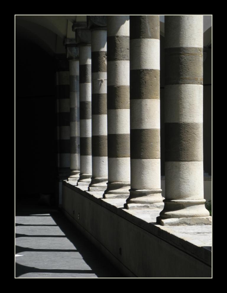 Geometria claustrale a Genova